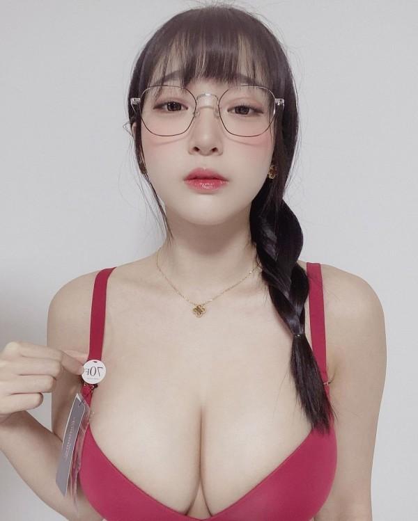 강인경 미드 70E 인증.gif